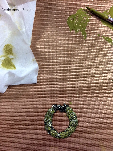 Painting Metal Christmas Wreath With Distress Paint